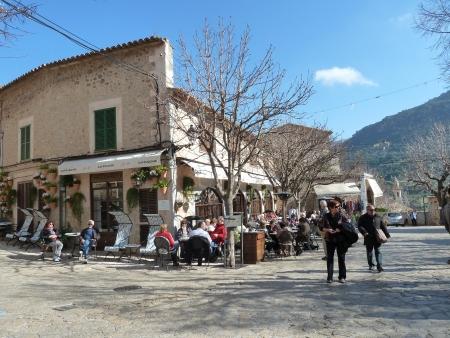 Der sehenswerte und beliebte Ort Valldemossa